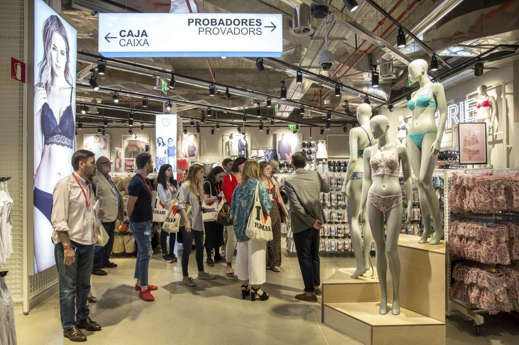 Huelga indefinida en el almacén de Primark que abastece a sus tiendas en España