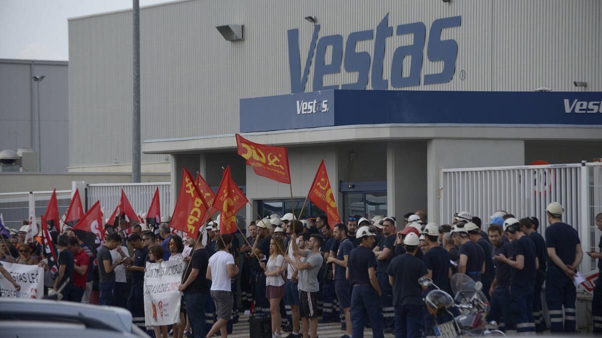 Un año de la crisis y 84 trabajadores siguen pleiteando con Vestas