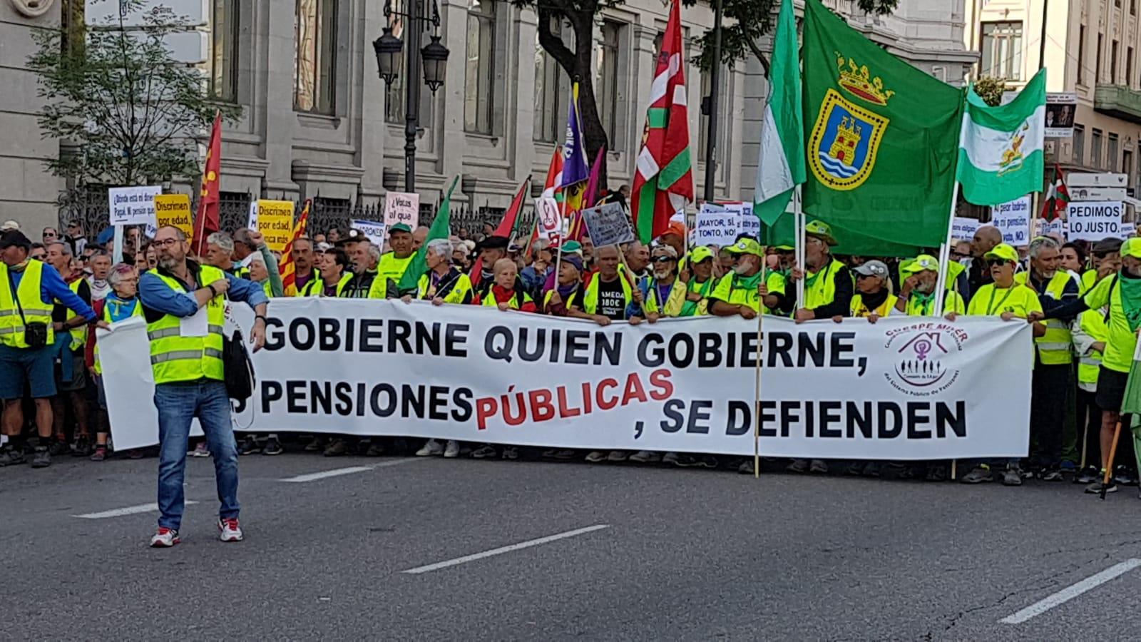 Madrid. 16O. Fotos y noticia. Gobierne quien gobierne las pensiones públicas se defienden