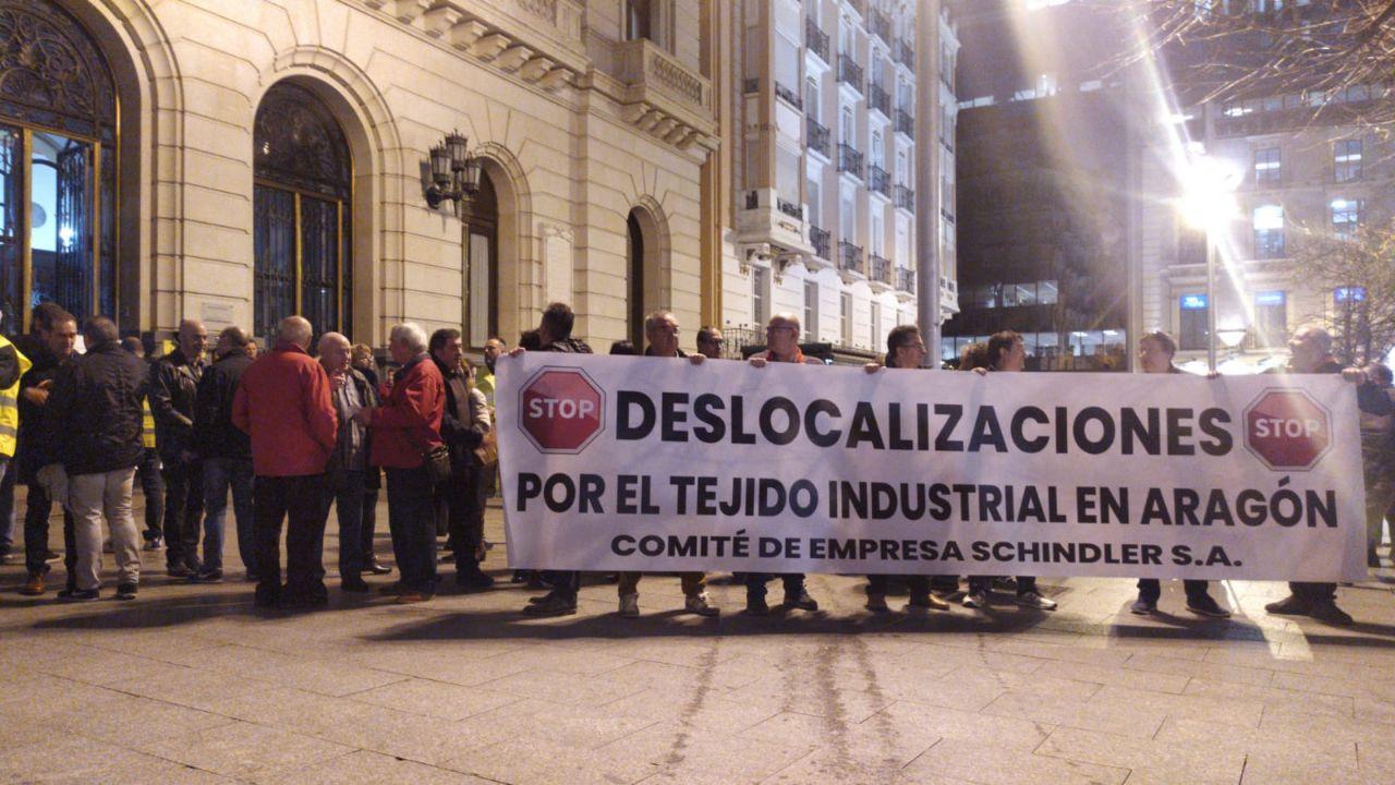 Zaragoza. Los trabajador@s de Schindler se movilizan. Videos y fotos.