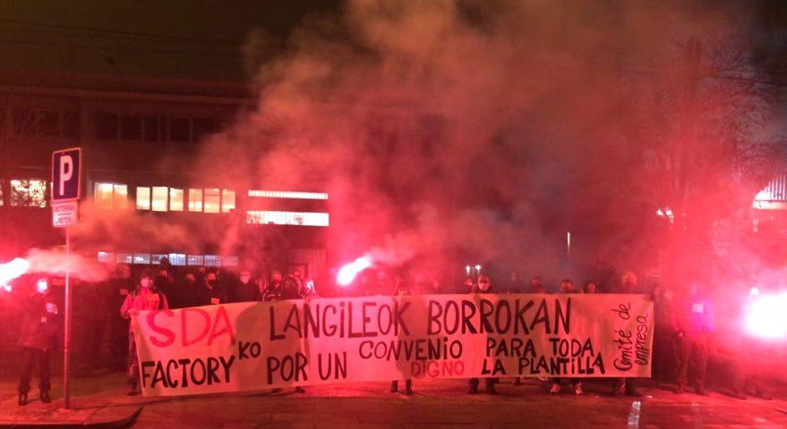 Los trabajadores de SDA Factory en lucha. Abandonados por BSH tras su venta