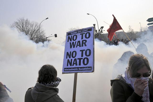 La OTAN echa más leña al fuego y abre seis cuarteles militares en la Europa del Este