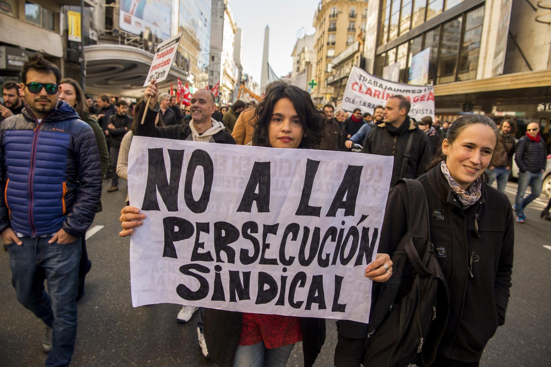 Argentina: sindicatos de prensa se movilizan por derechos laborales (fotos)