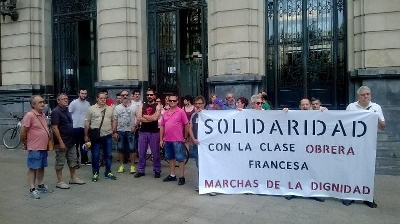 Concentración en Zaragoza en solidaridad con la clase obrera Francesa. 14 de Junio.