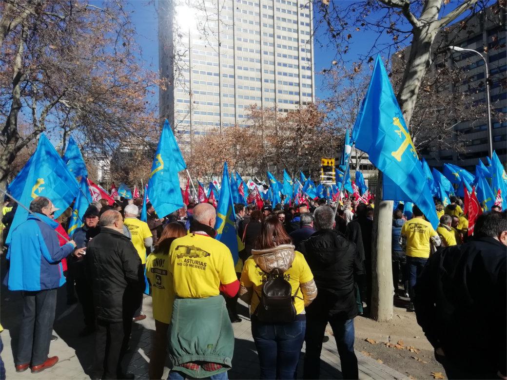 La lucha es el único camino. Trabajadoras/es de Alcoa en Madrid