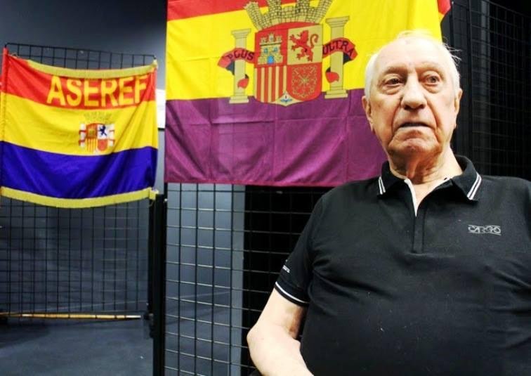HEROE EN FRANCIA Y FORAJIDO EN ESPAÑA