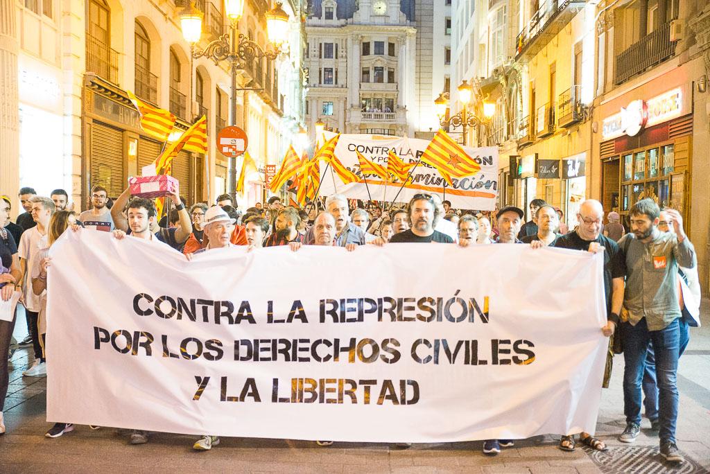 Zaragoza: gran manifestación en solidaridad con Catalunya y contra la represión