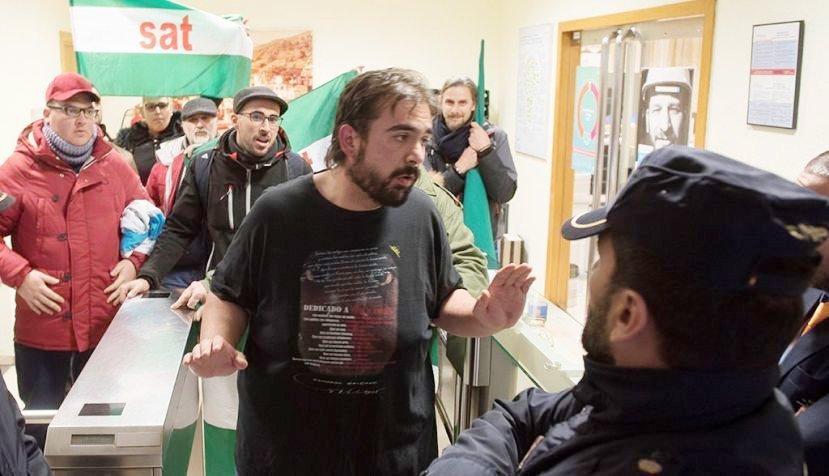 Detenido Oscar Reina portavoz nacional del SAT acusado de injurias a la Corona. Escrito de apoyo de Intersindical de Aragón