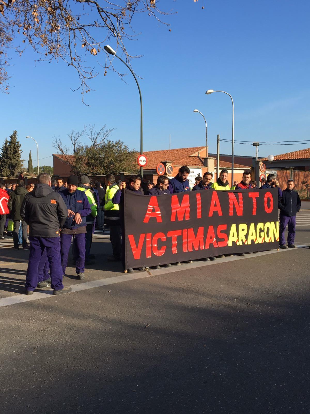 CAF Zaragoza. El Amianto mata, sus responsables también….movilizaciones en memoria de un compañero fallecido la semana pasada.