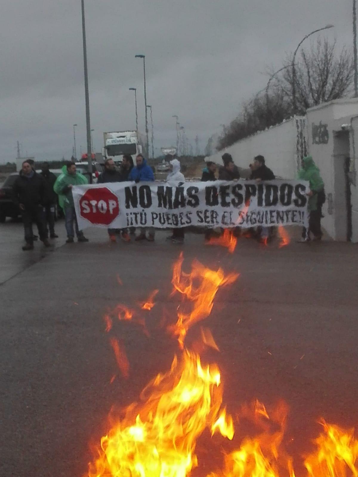Fotos. El Comite de Vestas Daimiel e Intersindical de Aragón se movilizan contra las políticas de empleo y salud de Vestas