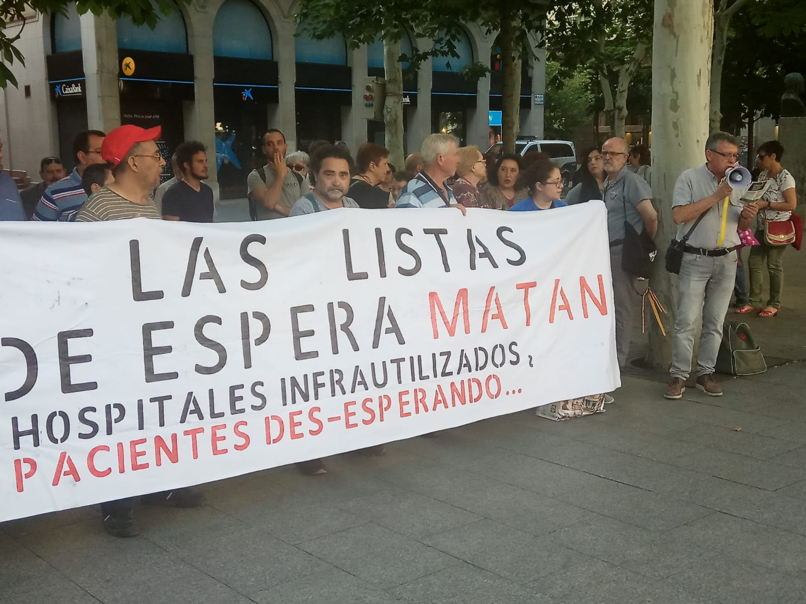 LAS LISTAS DE ESPERA MATAN. MOVILIZACIONES EN ZARAGOZA. SANIDAD PUBLICA