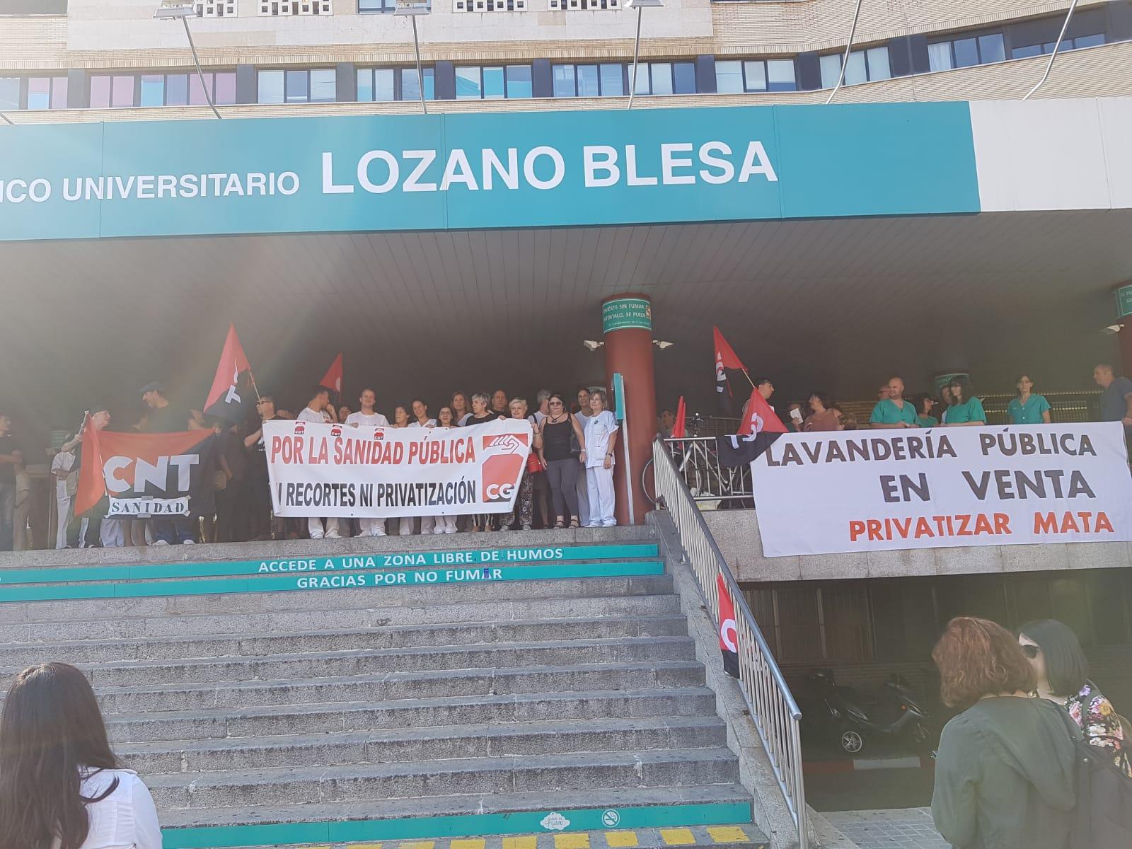 Colectivos contra la privatización de la lavandería del H. Clínico. (FOTOS)