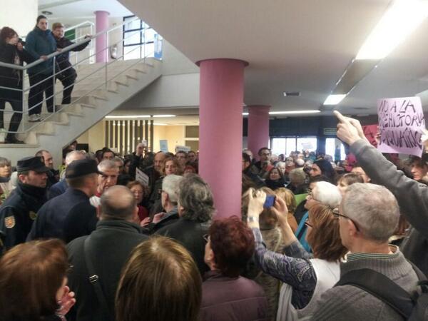 """El Gobierno de Aragón se compromete a """"no hacer nada"""" con las Unidades de Salud Mental sin consultar antes con vecinos y plataformas"""