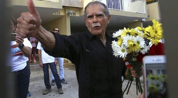 """Oscar López Rivera está """"libre"""" e """"indomable"""" después de 36 años en prisiones Imperiales"""