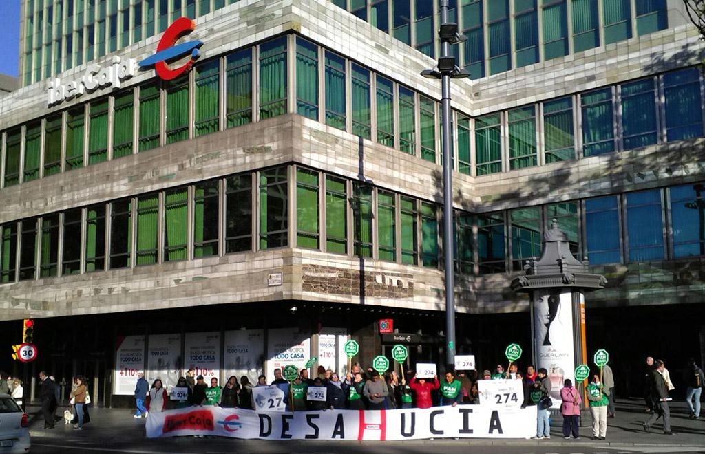 La PAH denuncia que Ibercaja intenta desahuciar a una pareja de jubilados en Fraga