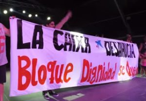 pancarta-bloque-dignidad-se-queda-_-downloaded-with-ur-browser-_