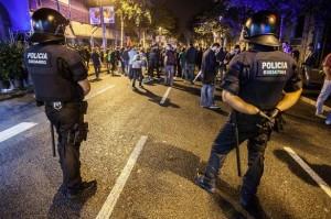 Desalojo de la acampada a favor de la consulta en Barcelona