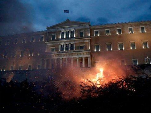 TERCERA MASIVA HUELGA GENERAL EN GRECIA