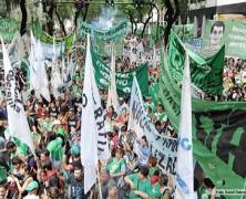 No será fácil: estatales exigen estabilidad laboral, Macri los quiere despedir porque no simpatizan con él