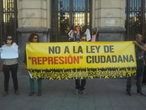 #HoyNosAmordazan y mañana también…