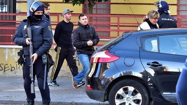 La legislatura se estrena con redadas masivas de antifascistas por toda España